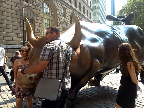 Charging Bull - NYC, Set2011 | by Ana Paula Hirama