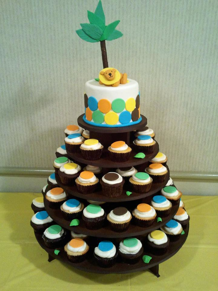 King of the jungle cupcake tower king of the jungle baby for Baby shower party junge