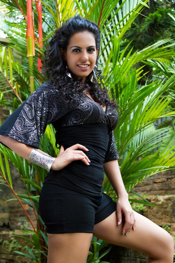 Miss Universe Sri Lanka 2011 - Stephanie Siriwardhana Mix -3031