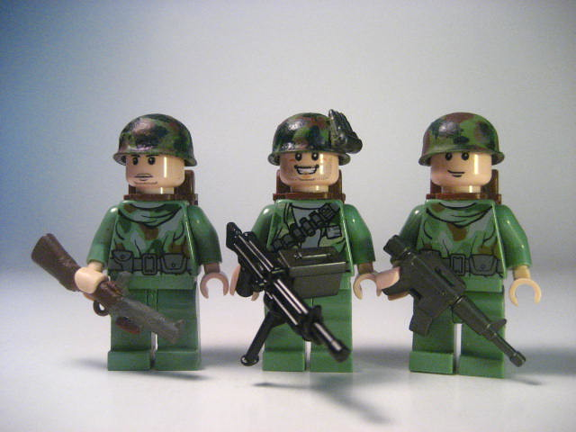 A3 Helmet Level 3 And Pan: Lego Vietnam Marine Squad.