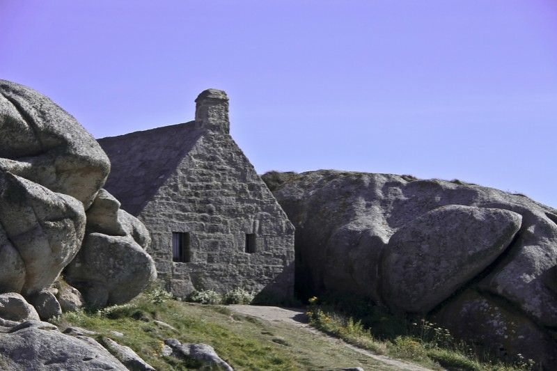 Maison entre les rochers pour les touristes flickr - Maison entre les rochers ...