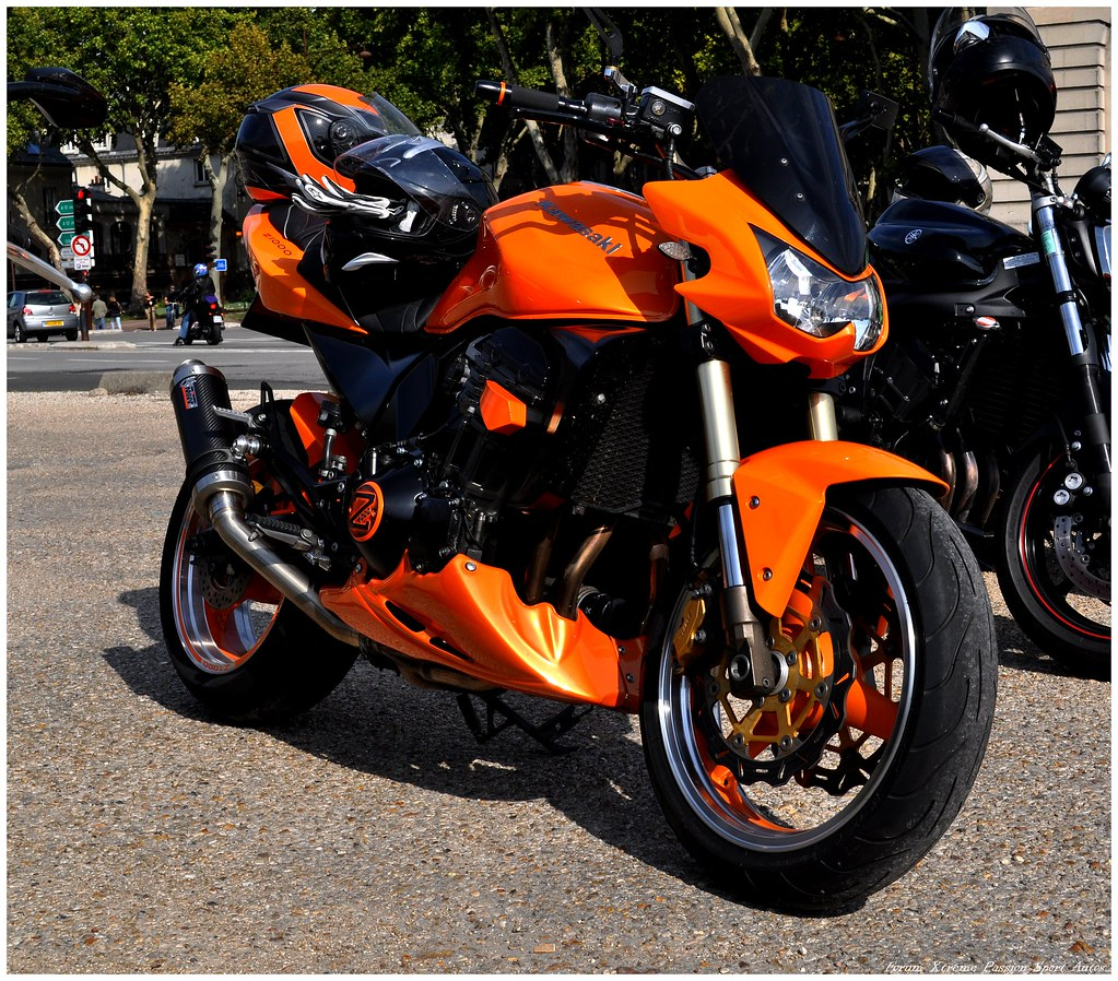 Kawasaki Z1000 Orange