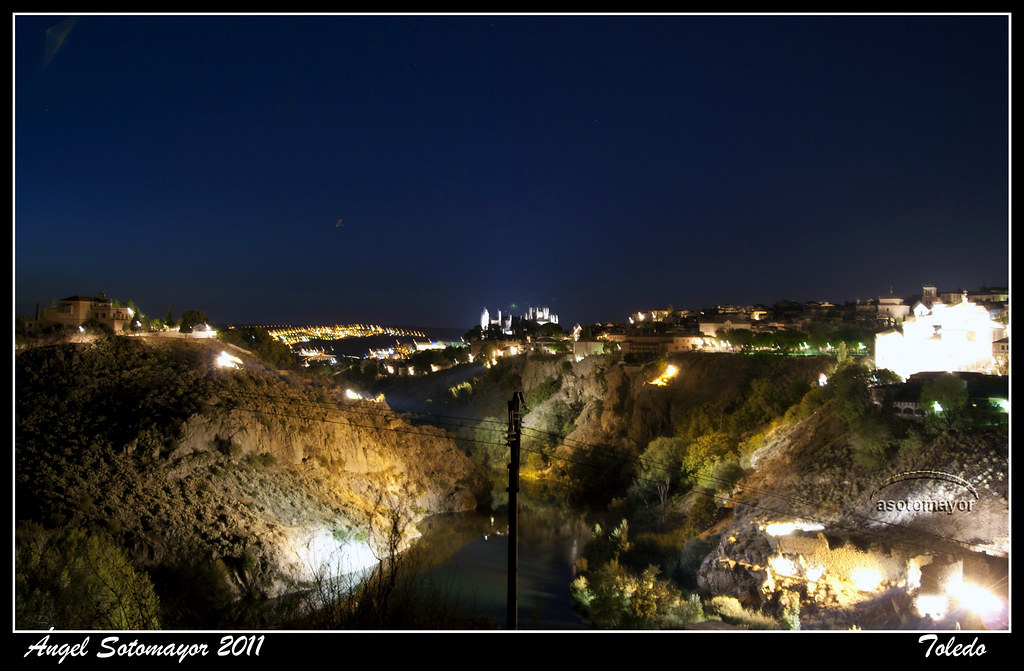 Nocturno vista del tajo y roca tarpeya toledo por ngel for Roca toledo