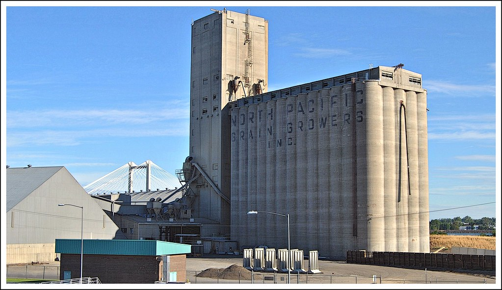North Pacific Grain Growers Association elevator in Kennew ...