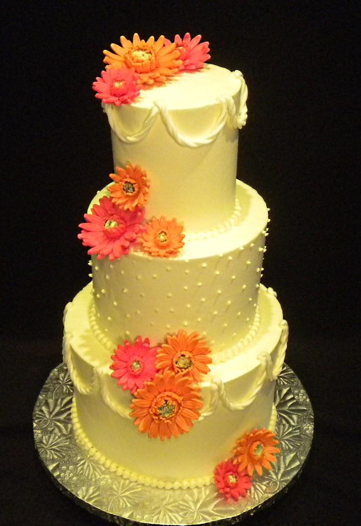 Summer wedding cake w/ Gerbera Daisies   Summer wedding cake…   Flickr