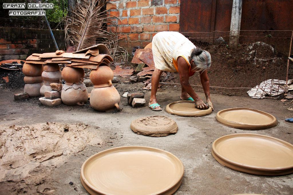 Alfareria en barro 57 el hacer objetos del barro es un for Utensilios de cocina artesanales