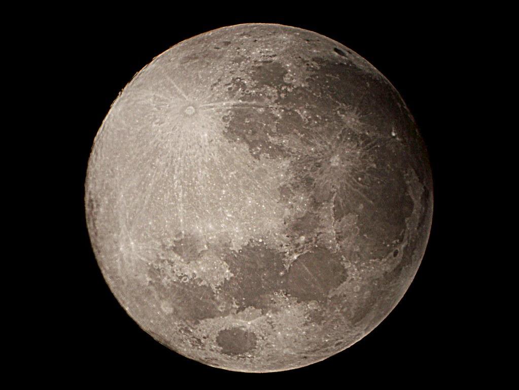 Luna llena de agosto el plenilunio o luna llena es una for Cuando es luna nueva