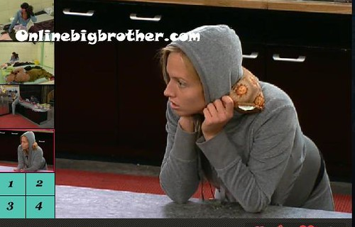 BB13-C4-8-22-2011-3_22_27.jpg | by onlinebigbrother.com