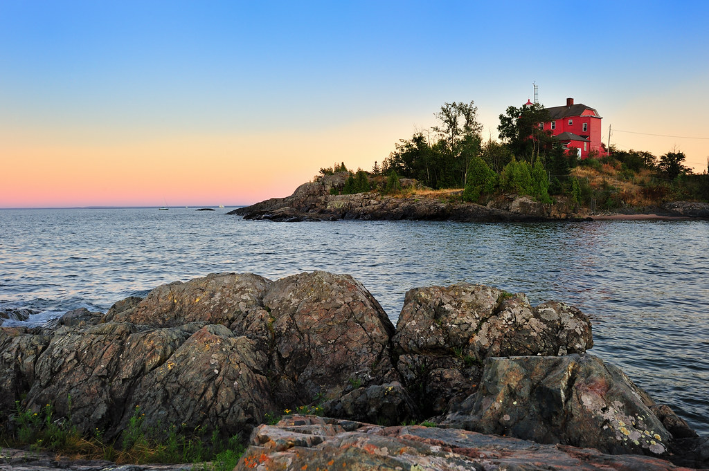 Quot Mccarty S Cove Sunset Quot Marquette Harbor Lighthouse Marq