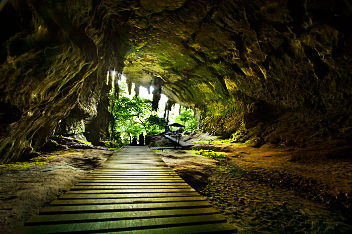NIAH CAVE | Located on the Sungai (river) Niah, about 3 km f… | Flickr