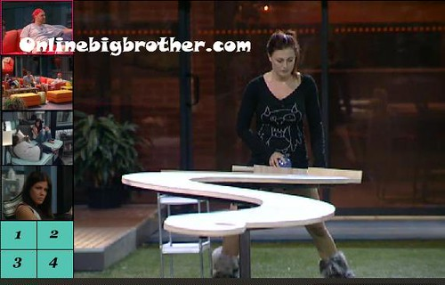 BB13-C2-8-25-2011-12_30_13.jpg | by onlinebigbrother.com