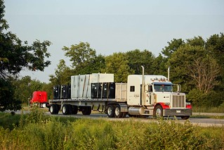 White & Red Pete pulling a flatbed | by myhotrod9
