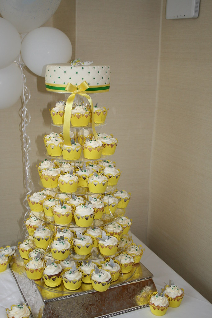 Wedding cake, Butterflies, Green, yellow, CUpcake Tower, C… | Flickr