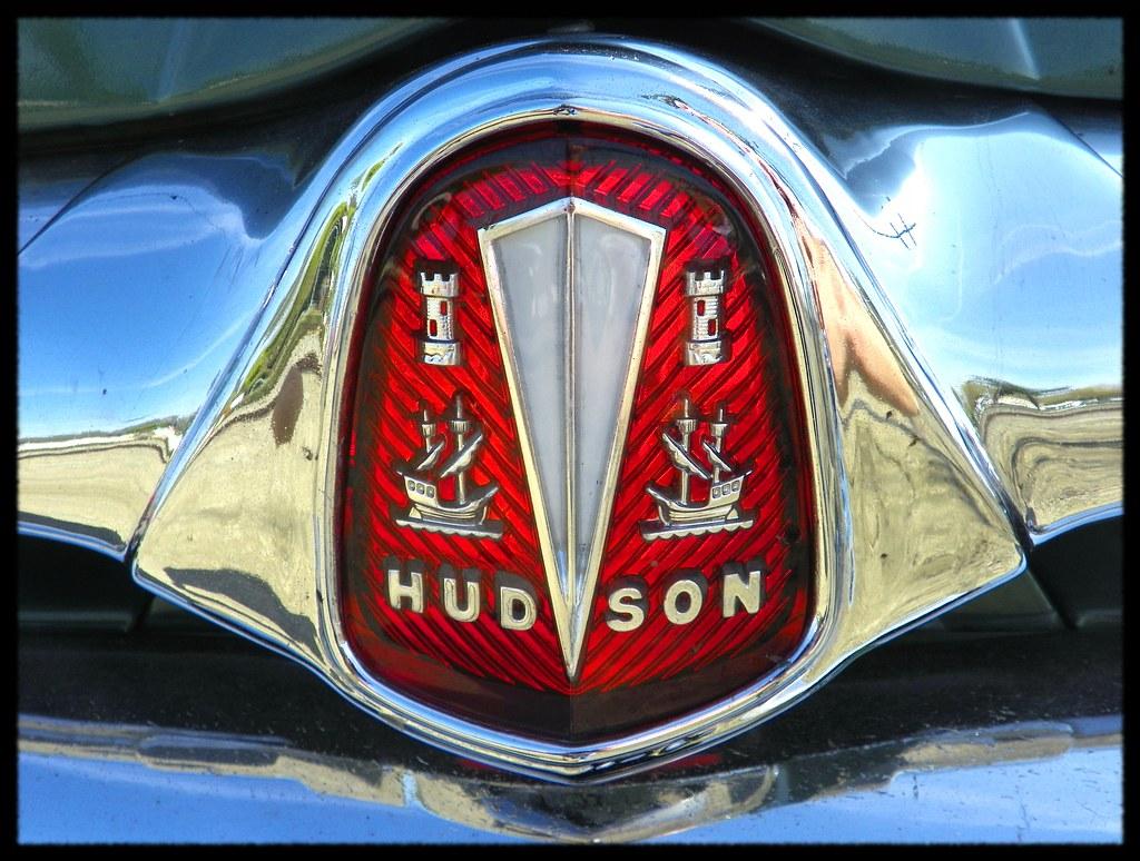 hudson hornet badge