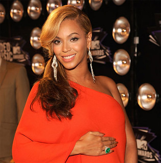 Beyonce VMA Red Carpet | by mp3waxx.com