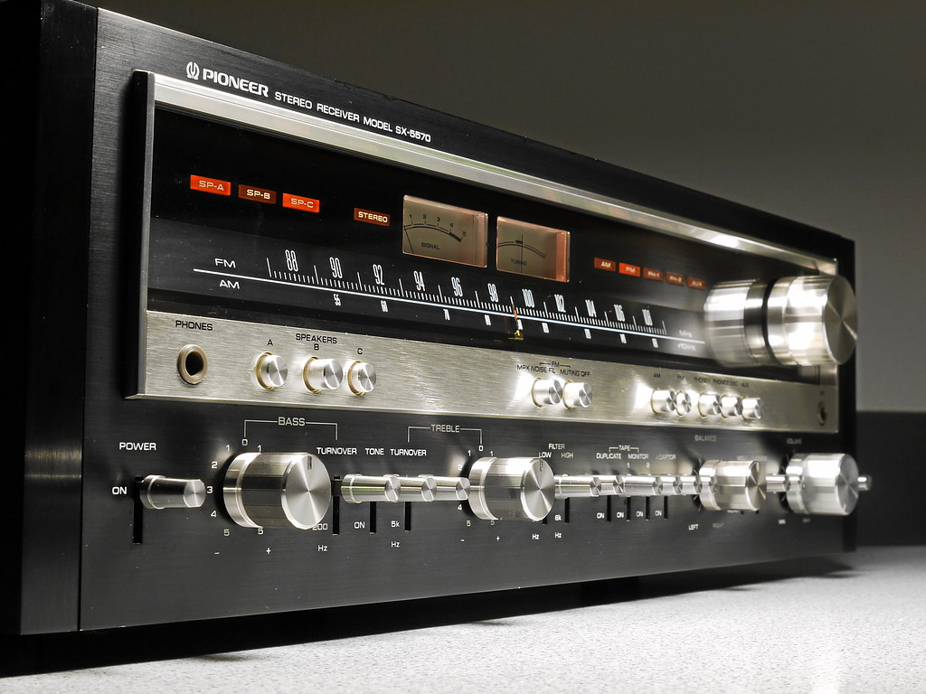pioneer sx 5570 stereo receiver 1977 the model sx 5570. Black Bedroom Furniture Sets. Home Design Ideas