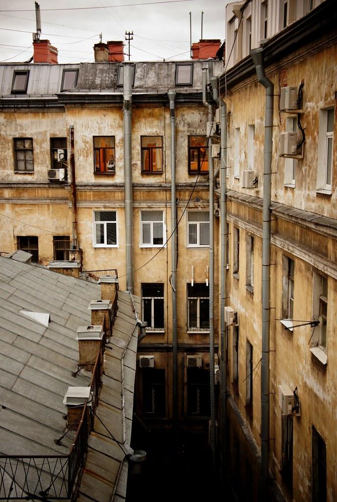 Питерский дворик. угол невского и литейного natalia flickr.
