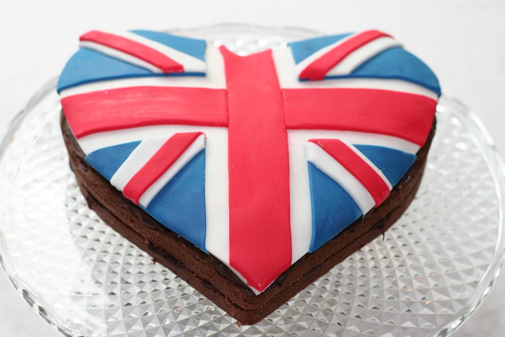 Union jack heart cake hannah loves cake flickr for Ohrensessel union jack