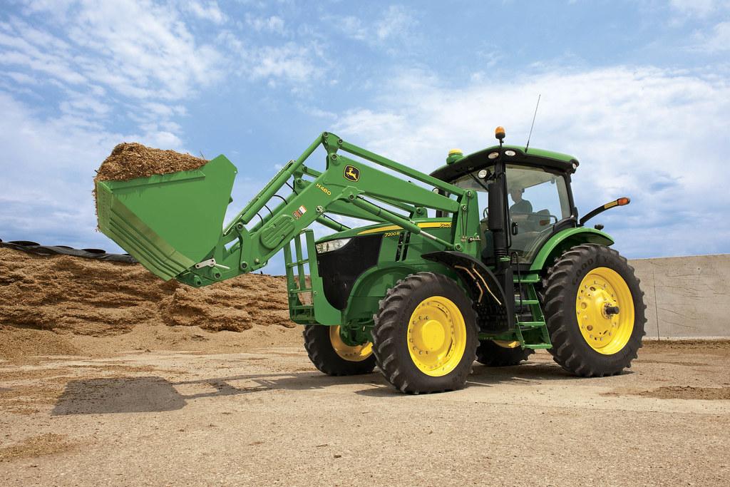 N Deere 7R - 7200R Tractor | b...