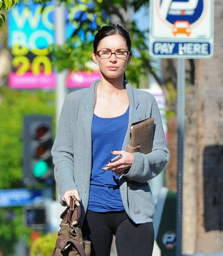 Megan-Fox-Studio-City-Cameltoe-And-Spandex-Candids-03  Flickr-6553