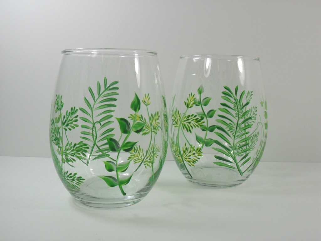 Stemless wine glass hand painted fern set of 2 i have for Painted stemless wine glasses
