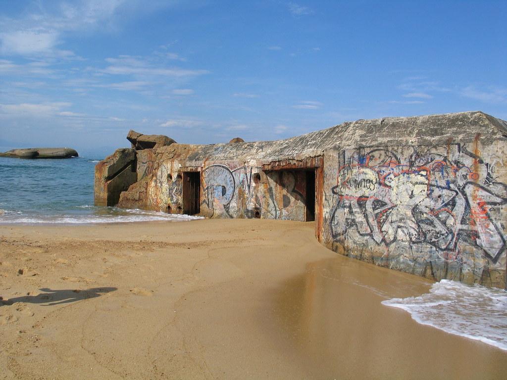 """Résultat de recherche d'images pour """"image bunker sur le sable été"""""""