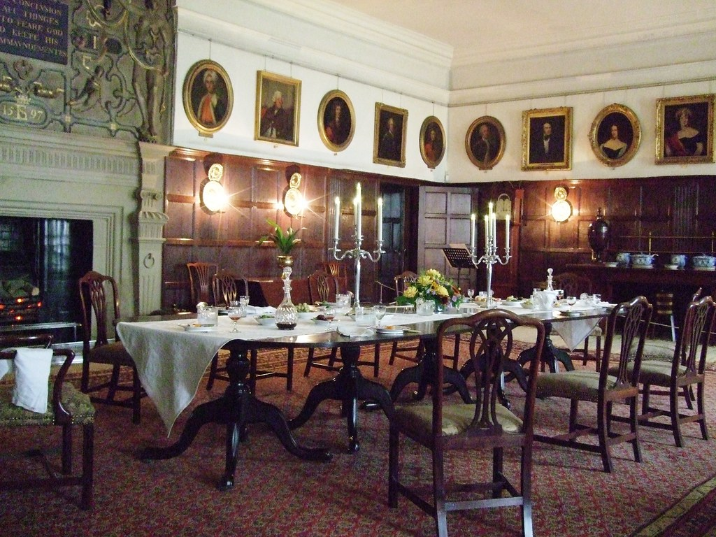 Dining room hardwick hall derbyshire northampton u3a 39 s for Dining room northampton
