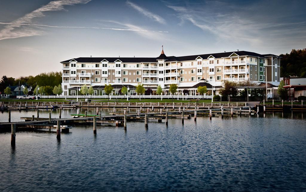watkins glen harbor hotel watkins glen ny michael. Black Bedroom Furniture Sets. Home Design Ideas