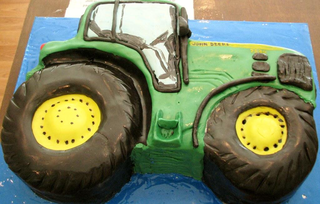 John Deere tractor cake wwwfacebookcomKimandashlee www Flickr