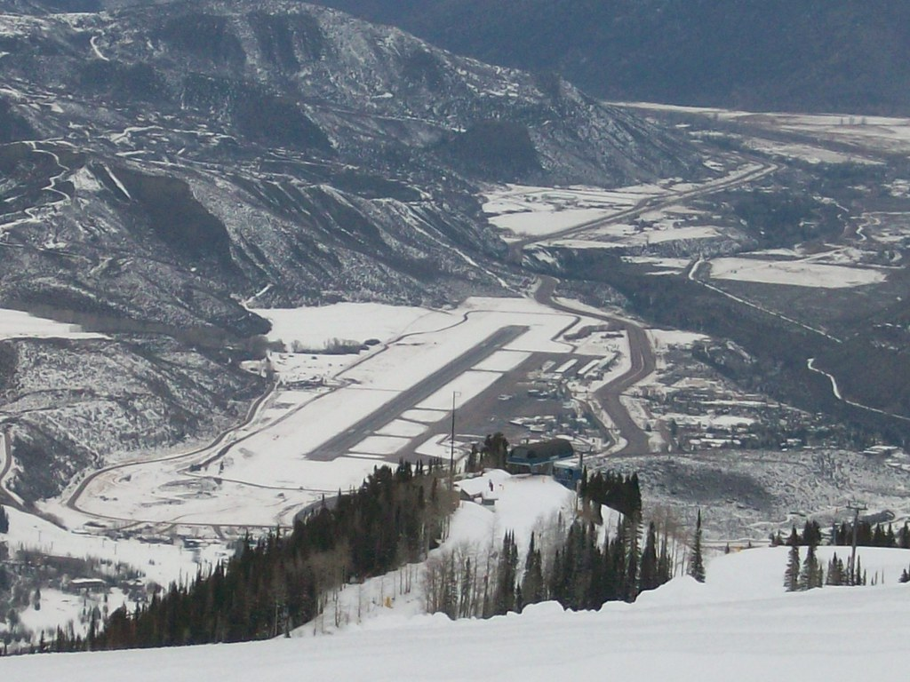Aspen Airport View from Above | cozmo54901 | Flickr Airport