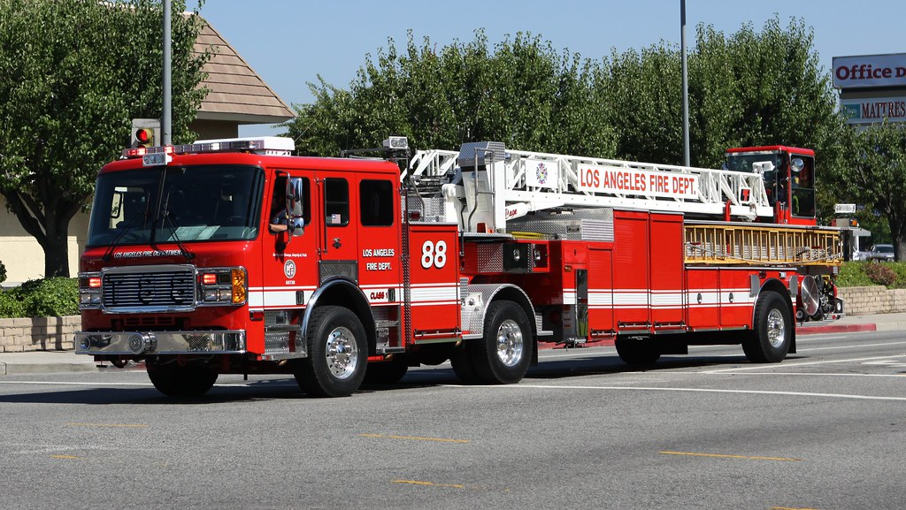 Los Angeles Fire Department Hook Amp Ladder Truck 88 Code 3