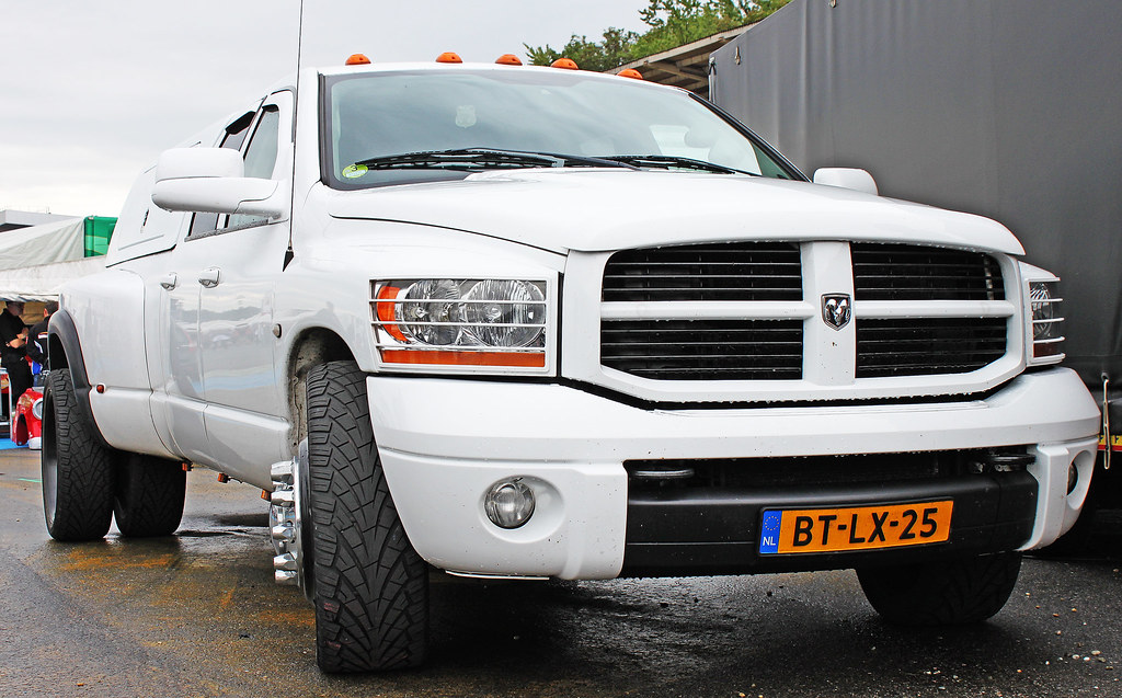 Dodge Ram - Monster Dually   Dodge Ram - Monster Dually ...