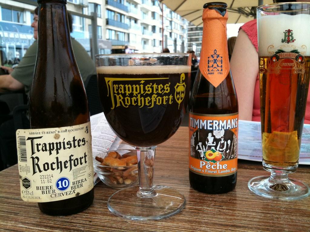Brasserie de Rochefort Trappiestes 10 & Brouwerij Lindeman ...