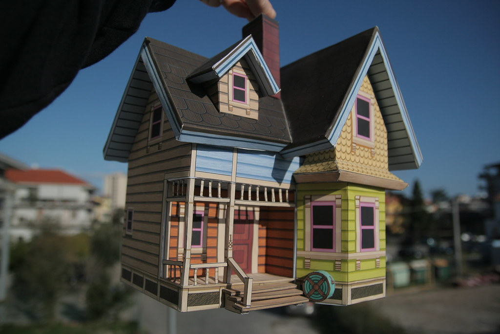Papercraft casa di up la riproduzione completamente for Casa immagini