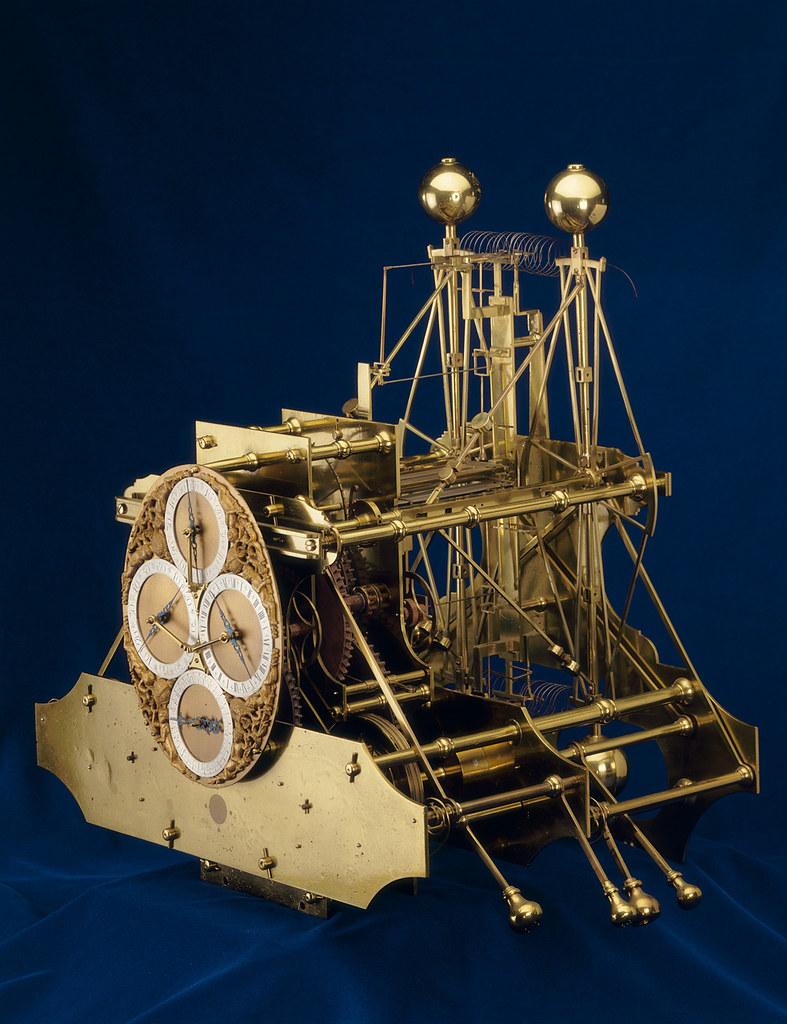 Chiếc đồng hồ đi biển đầu tiên (H1) của John Harrison. Sau này ông sẽ còn cải thiện và thiết kế tạo ra nhiều mẫu khác. Nguồn: Flickr.