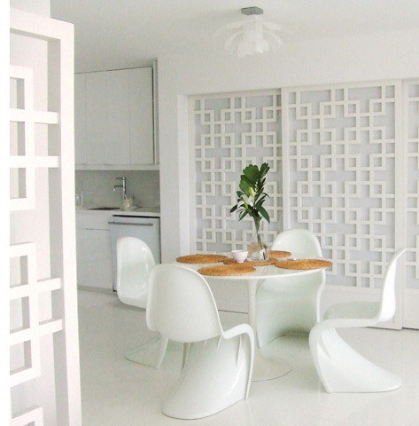 White on white Dining Area Saarinen Table Panton Chairs