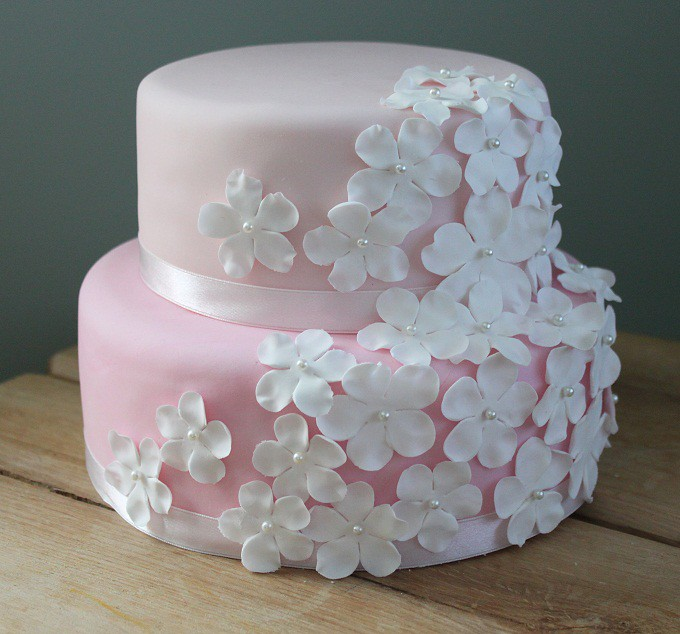 two tier sponge wedding cake recipe blossom wedding cake two tier vanilla sponge and 21348