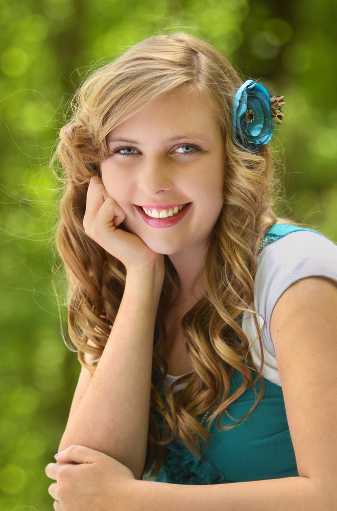 Engaging Smile - Portrait Of A Teenage Girl  This Young -2293