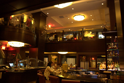 Captial Grille Is A Good Restaurant Translate In Spanish