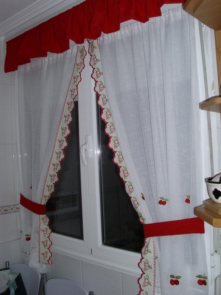 Cortinas cocina a hice las cortinas para la cocina for Cortinas de tela para cocina