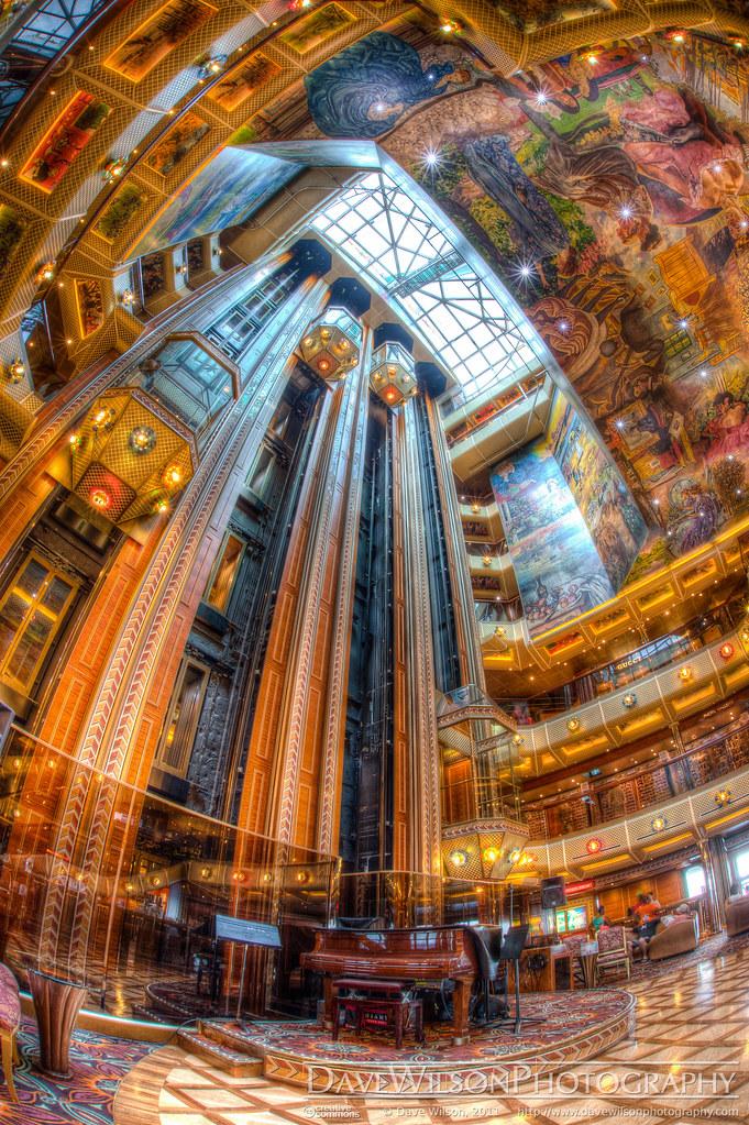 Carnival Conquest - Lobby Deck Atrium