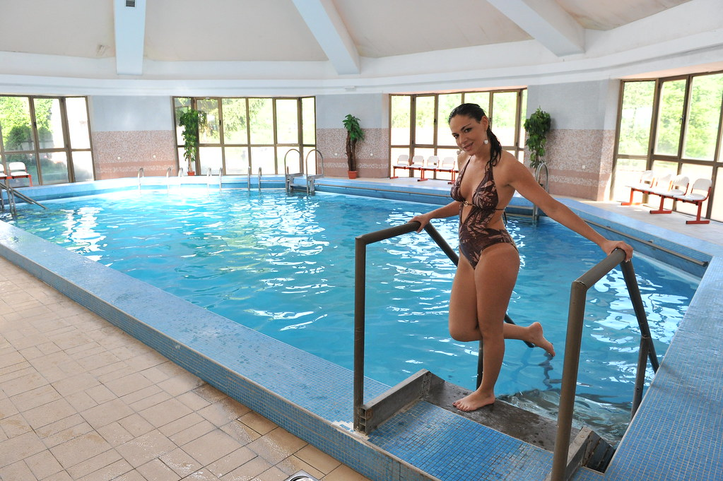 Indoor swimming pool with currative prolom water indoor for Indoor swimming pools in mesa az
