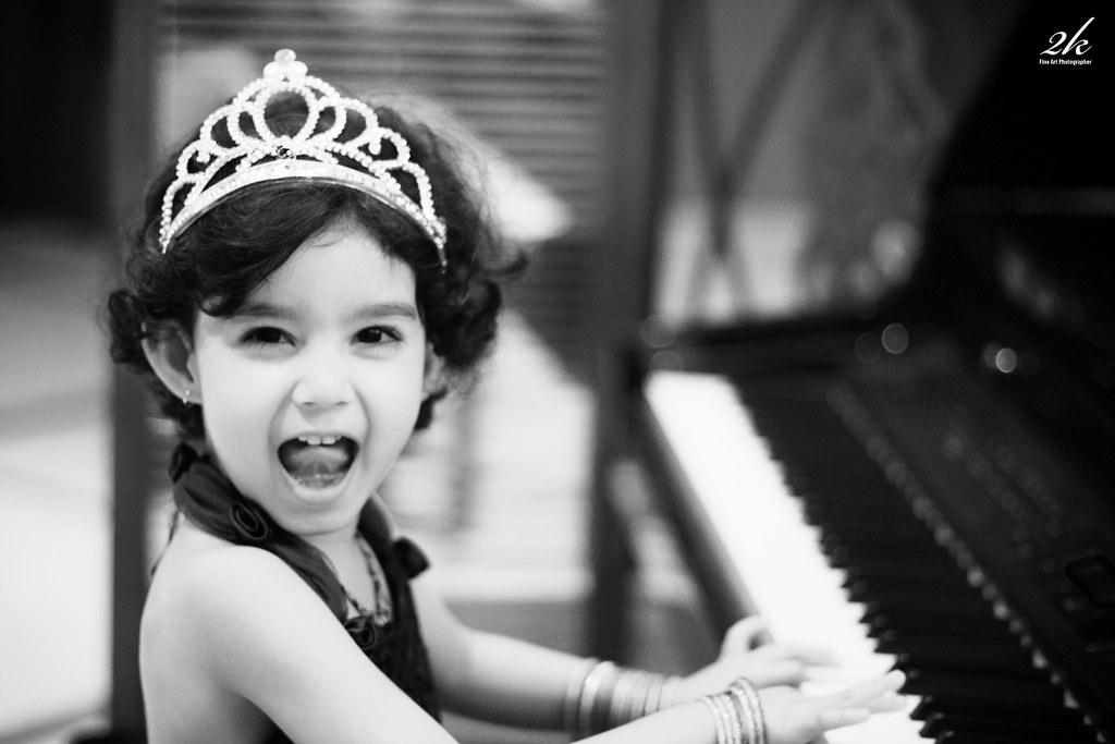 We strike that chord! | Yajya, my niece, on her b\'day! Loads… | Flickr