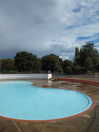 The paddling pool on the strand gillingham simon bolton - The strand swimming pool gillingham ...