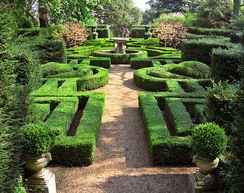 Ascott House Gardens Buckinghamshire Uk A Formal Parte