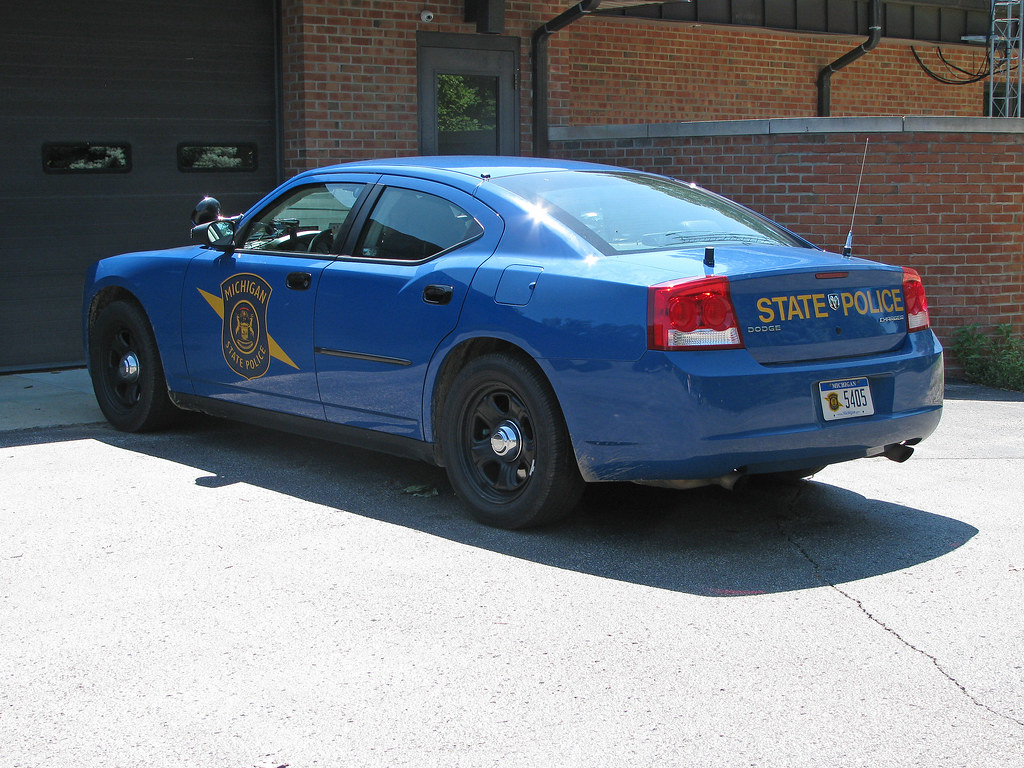 Michigan State Police 10 Dodge Charger Slicktop With