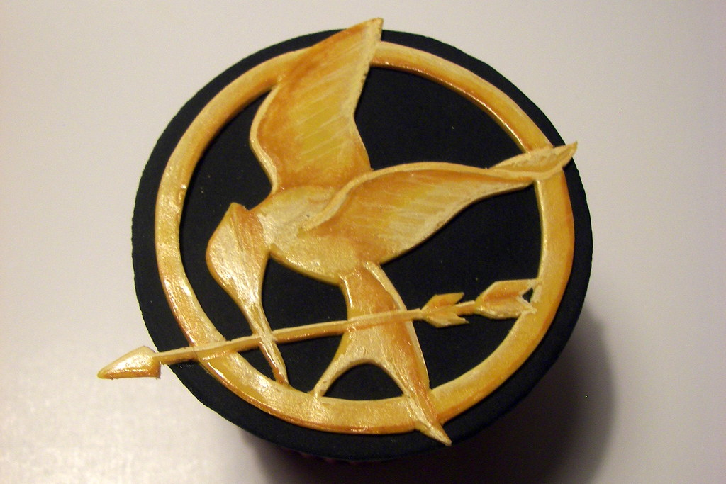 Amazon.com: hunger games cake toppers