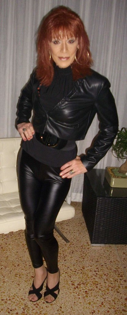 Female authority kat bitch in leather - 4 5