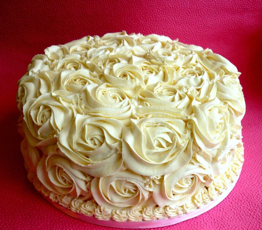 Rose swirl wedding cake   This is a rose swirl buttercream c…   Flickr