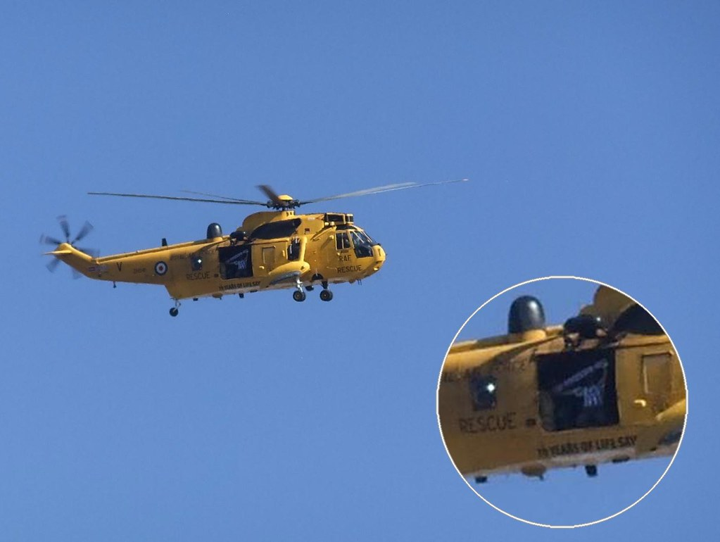 Elicottero H 139 : Raf sea king flies over the amex brighton fan on board